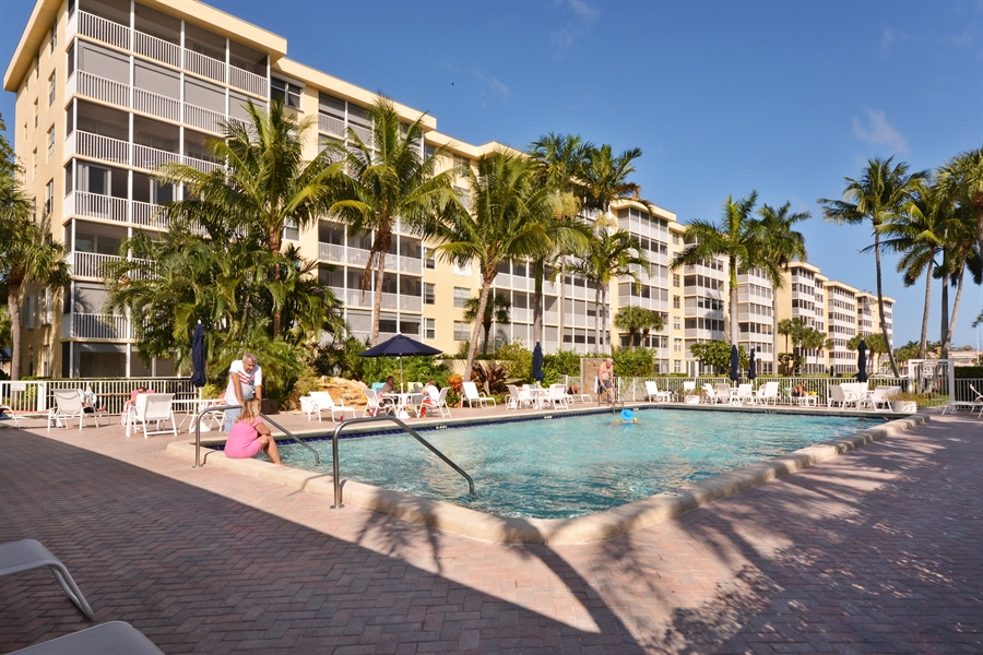 Real Estate Photography - 1 Harbourside, Unit 4307, Delray Beach, FL, 33483 - Pool
