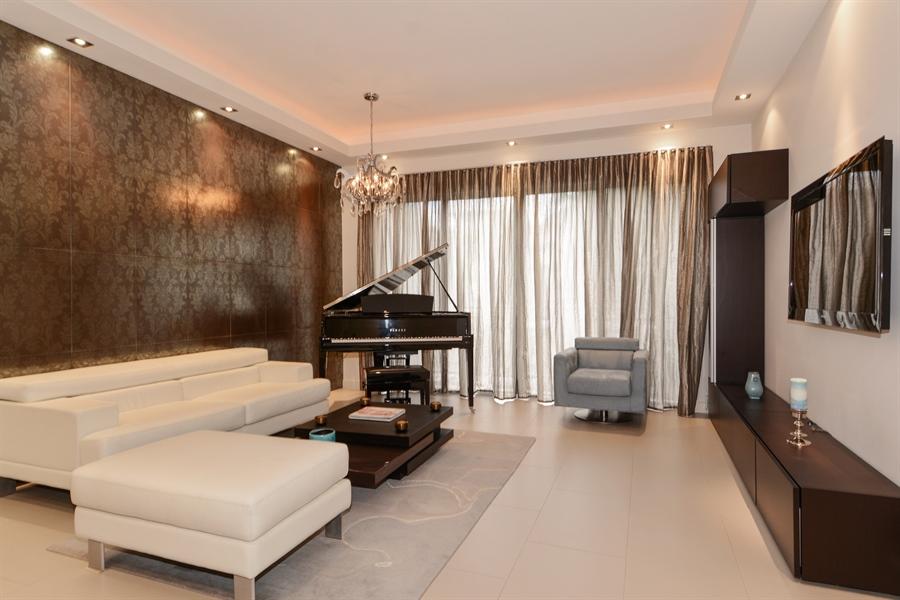 Real Estate Photography - 1696 S Ocean Ln, Apt 268, Ft Lauderdale, FL, 33316 - Living Room