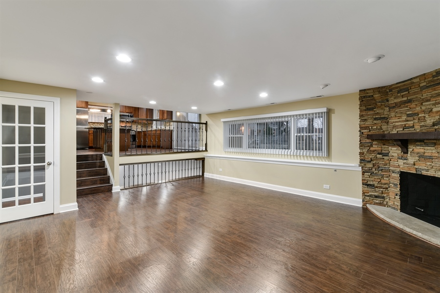 Real Estate Photography - 1914 E 170th Pl, South Holland, IL, 60473 - Family Room