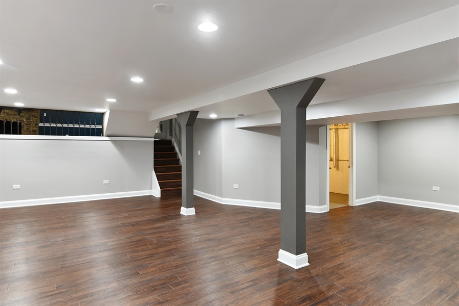 Real Estate Photography - 1914 E 170th Pl, South Holland, IL, 60473 - Entertainment Room
