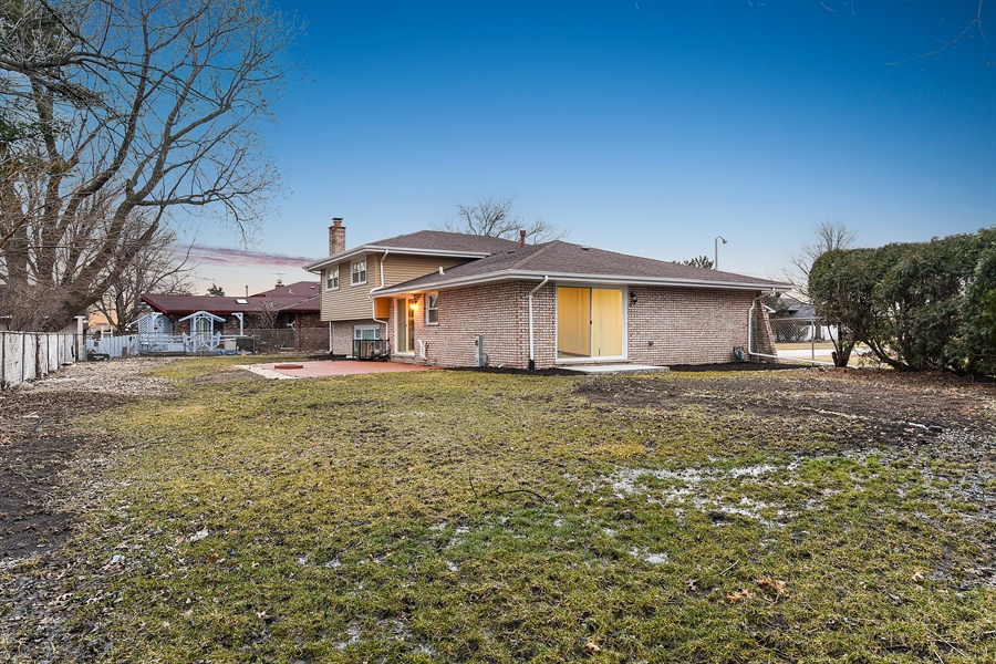 Real Estate Photography - 1914 E 170th Pl, South Holland, IL, 60473 - Side View
