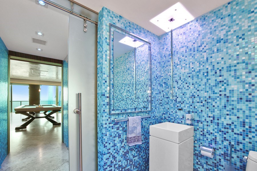Real Estate Photography - 1200 Holiday Dr, Unit 1103, Fort Lauderdale, FL, 33316 - 3rd Bathroom