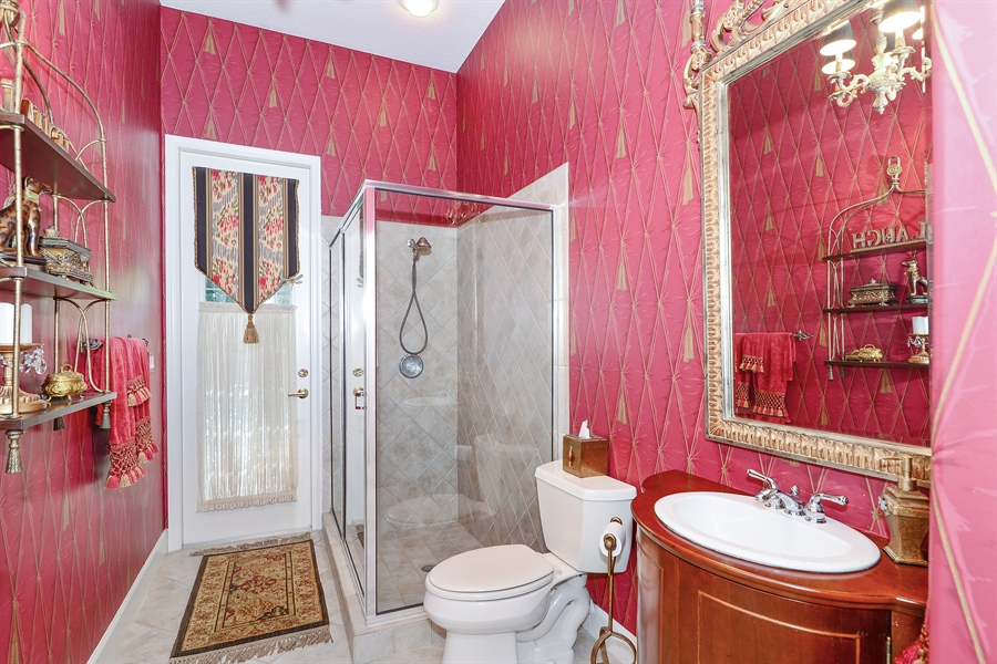 Real Estate Photography - 5124 Rue Vendome, Lutz, FL, 33558 - 3rd Bathroom