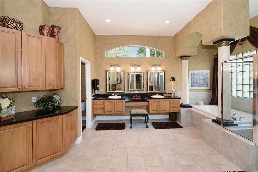 Real Estate Photography - 5124 Rue Vendome, Lutz, FL, 33558 - Master Bathroom