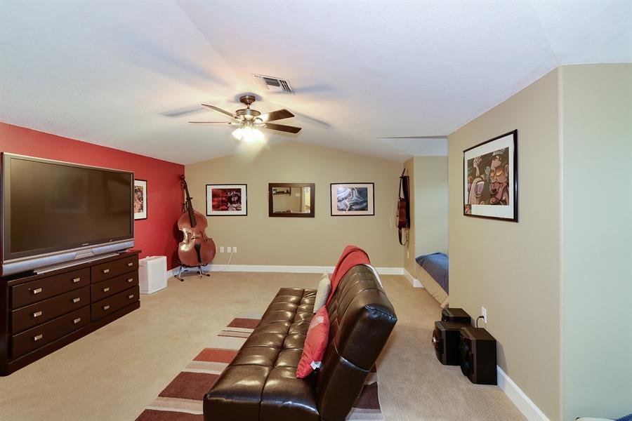 Real Estate Photography - 5124 Rue Vendome, Lutz, FL, 33558 - Bonus Room