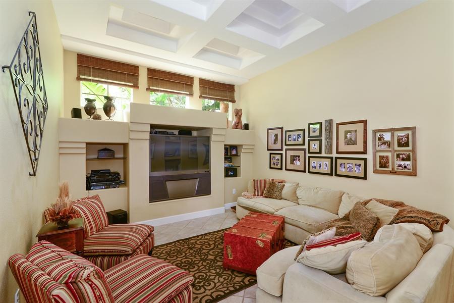 Real Estate Photography - 5124 Rue Vendome, Lutz, FL, 33558 - Gameroom