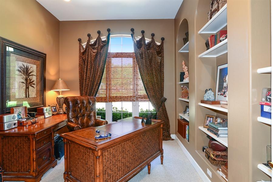Real Estate Photography - 5124 Rue Vendome, Lutz, FL, 33558 - Office