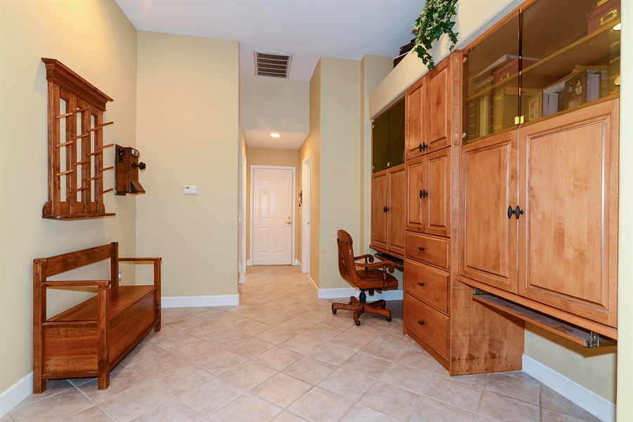 Real Estate Photography - 5124 Rue Vendome, Lutz, FL, 33558 - Study