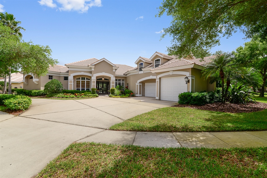 Real Estate Photography - 5124 Rue Vendome, Lutz, FL, 33558 - Front View