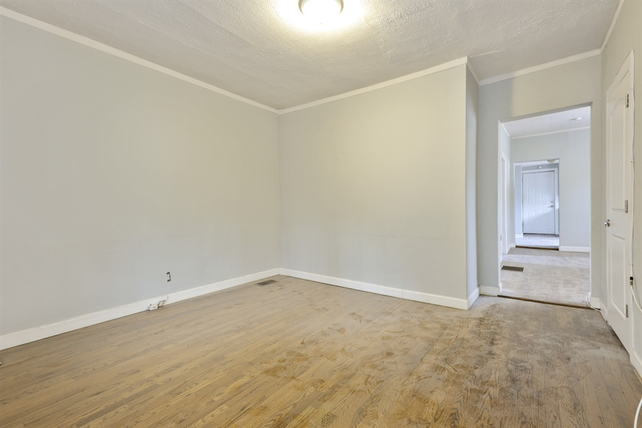 Real Estate Photography - 1861 N Hoyne Ave, Unit 1R, Chicago, IL, 60647 - Living Room