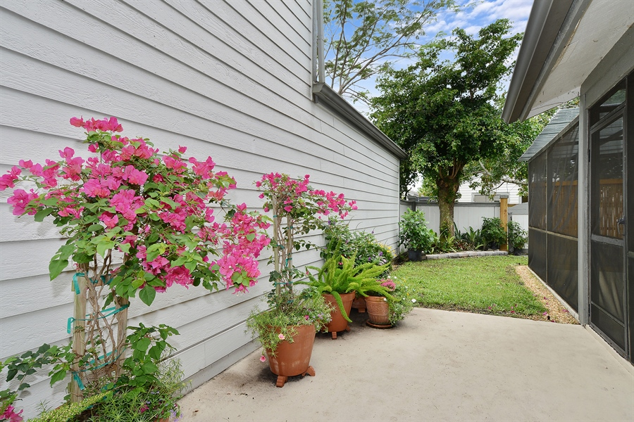 Real Estate Photography - 2462 Bedford Mews Dr, Wellington, FL, 33414 - Back Yard