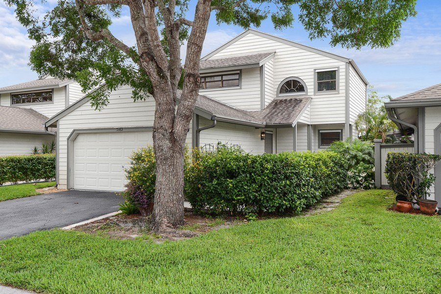 Real Estate Photography - 2462 Bedford Mews Dr, Wellington, FL, 33414 - Front View