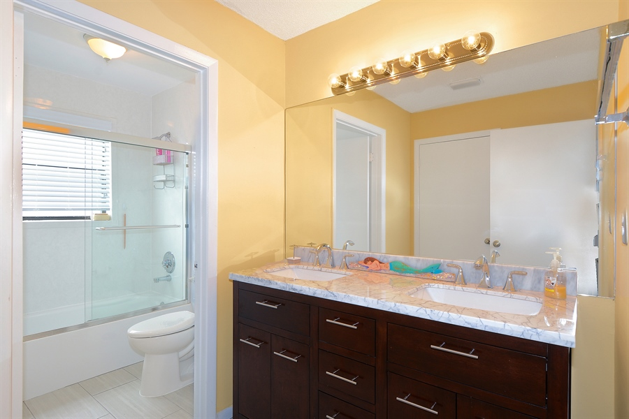 Real Estate Photography - 2462 Bedford Mews Dr, Wellington, FL, 33414 - 2nd Bathroom