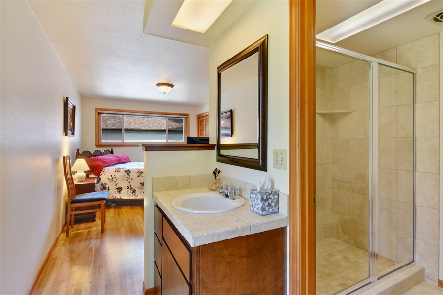 Real Estate Photography - 513 NW 197th St, Shoreline, WA, 98177 - Master Bathroom