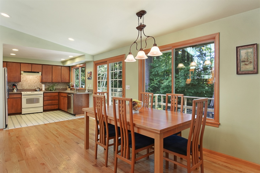 Real Estate Photography - 513 NW 197th St, Shoreline, WA, 98177 - Dining Room