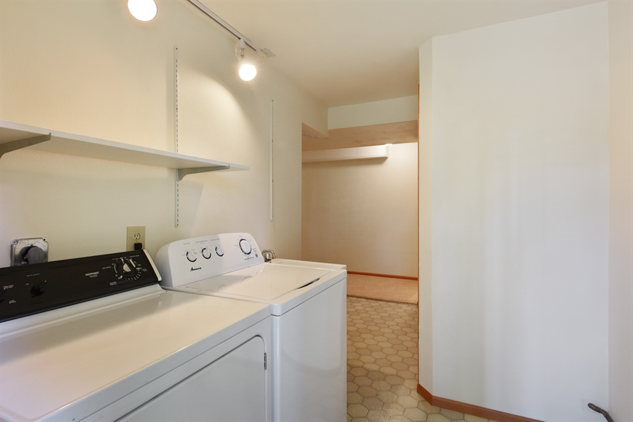Real Estate Photography - 513 NW 197th St, Shoreline, WA, 98177 - Laundry Room