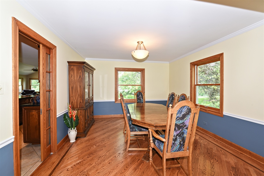 Real Estate Photography - 9 Charleston Rd, Hinsdale, IL, 60521 - Dining Room