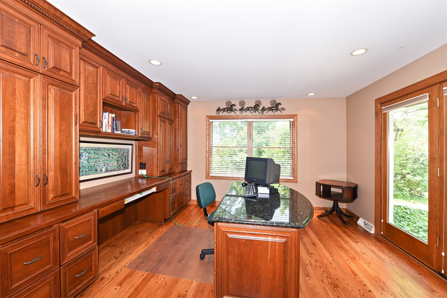 Real Estate Photography - 9 Charleston Rd, Hinsdale, IL, 60521 - Office