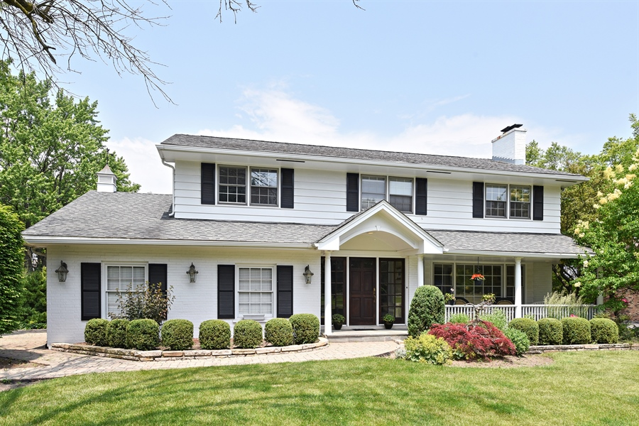 Real Estate Photography - 9 Charleston Rd, Hinsdale, IL, 60521 - Front View