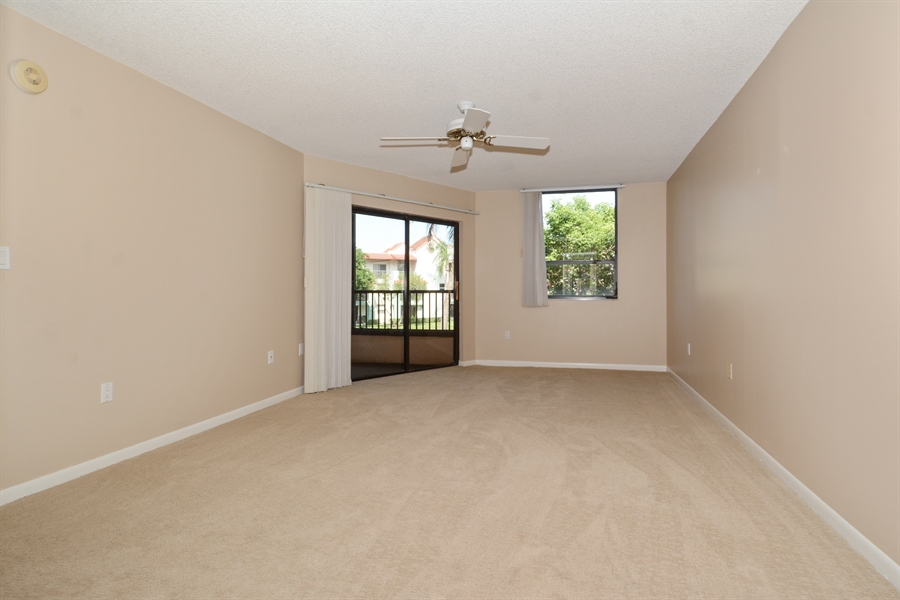 Real Estate Photography - 520 SE 12th St, Unit 103, Dania Beach, FL, 33004 - Master Bedroom