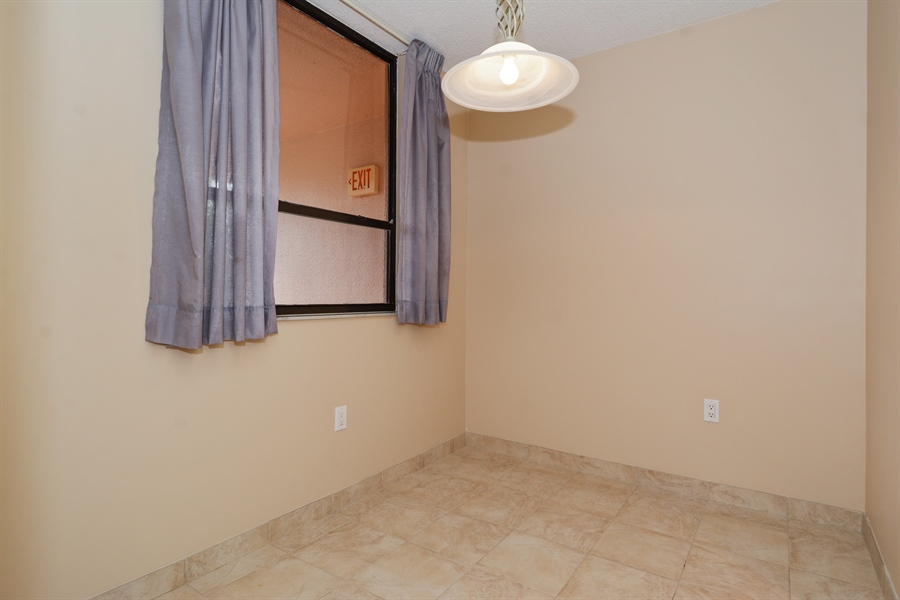 Real Estate Photography - 520 SE 12th St, Unit 103, Dania Beach, FL, 33004 - Breakfast Room
