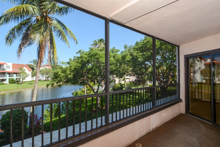 Real Estate Photography - 520 SE 12th St, Unit 103, Dania Beach, FL, 33004 - Patio
