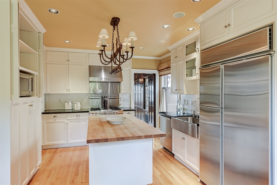 Real Estate Photography - 303 W Highland Dr, Seattle, WA, 98119 - Kitchen