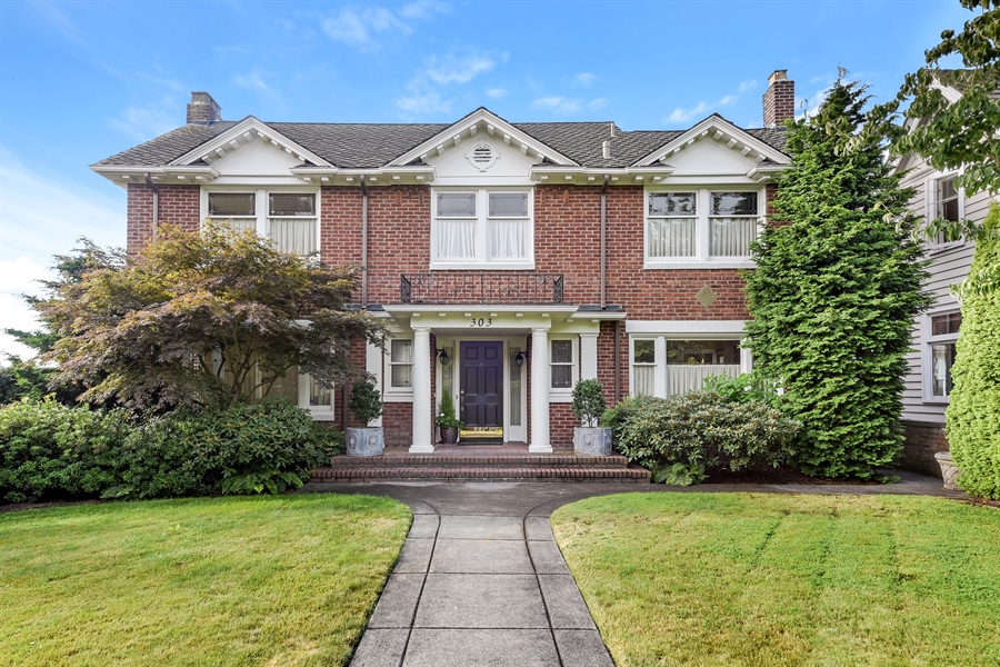 Real Estate Photography - 303 W Highland Dr, Seattle, WA, 98119 - Front View