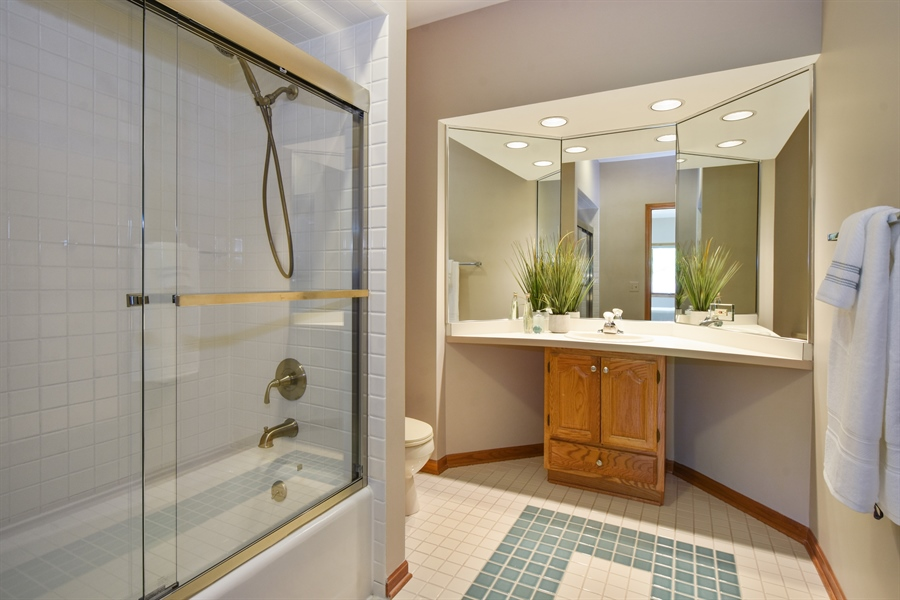 Real Estate Photography - 3929 Forest Fork, Long Grove, IL, 60047 - 4th Bathroom