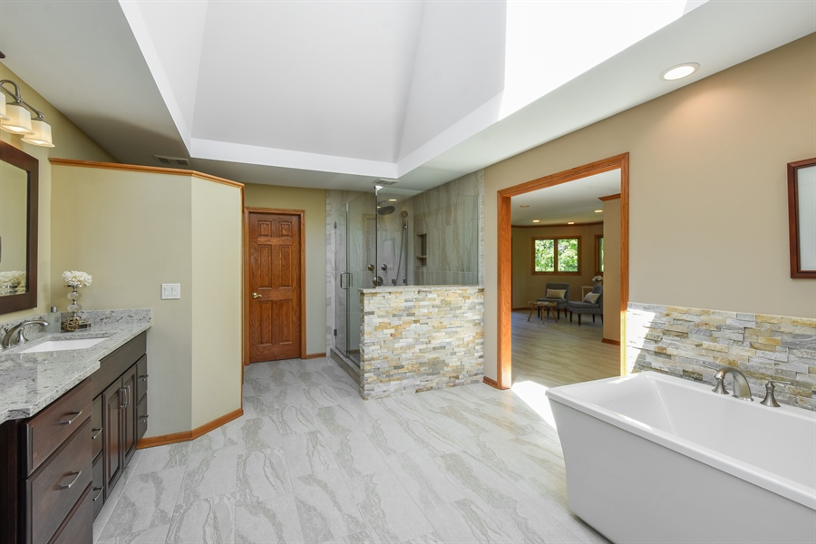 Real Estate Photography - 3929 Forest Fork, Long Grove, IL, 60047 - Master Bathroom