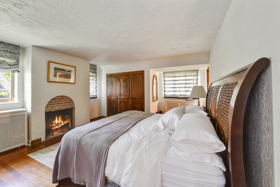 Real Estate Photography - 707 Taft Rd, Hinsdale, IL, 60521 - Master Bedroom