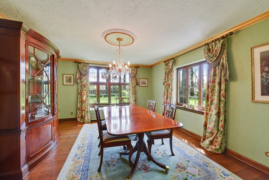 Real Estate Photography - 707 Taft Rd, Hinsdale, IL, 60521 - Dining Room