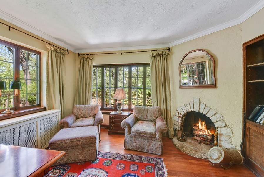 Real Estate Photography - 707 Taft Rd, Hinsdale, IL, 60521 - Den