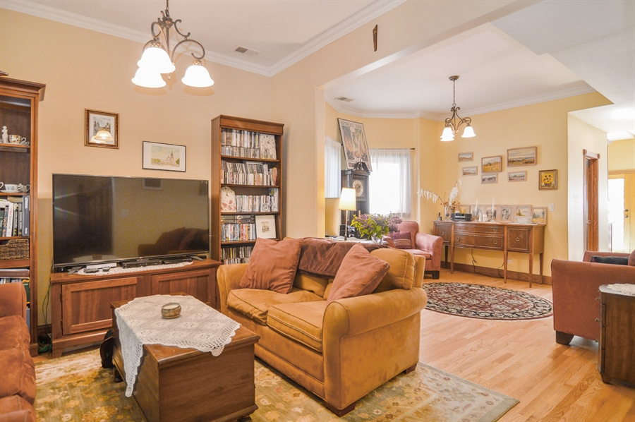 Real Estate Photography - 4022 N Kilbourn Ave, Chicago, IL, 60641 - Living Room