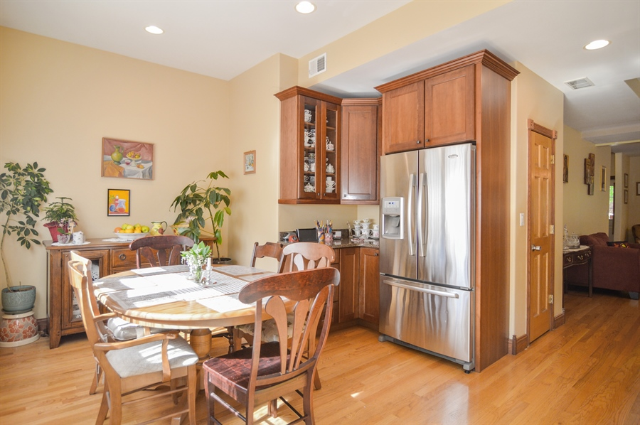 Real Estate Photography - 4022 N Kilbourn Ave, Chicago, IL, 60641 - Kitchen