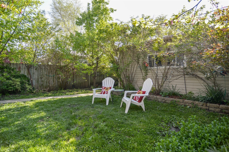 Real Estate Photography - 4022 N Kilbourn Ave, Chicago, IL, 60641 - Back Yard
