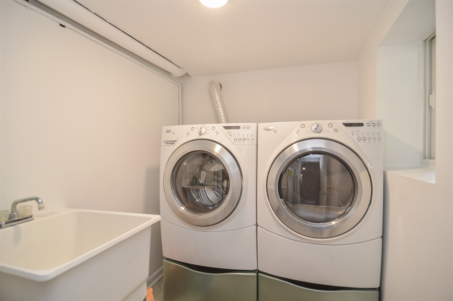 Real Estate Photography - 4022 N Kilbourn Ave, Chicago, IL, 60641 - Laundry Room