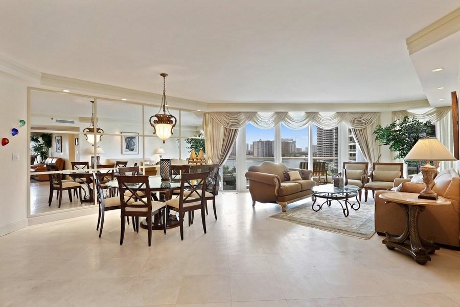 Real Estate Photography - 7000 Island Blvd, Apt 902, Aventura, FL, 33160 - Dining room