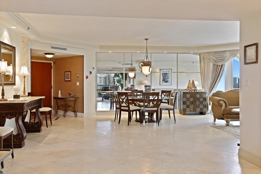Real Estate Photography - 7000 Island Blvd, Apt 902, Aventura, FL, 33160 - Dining room_2