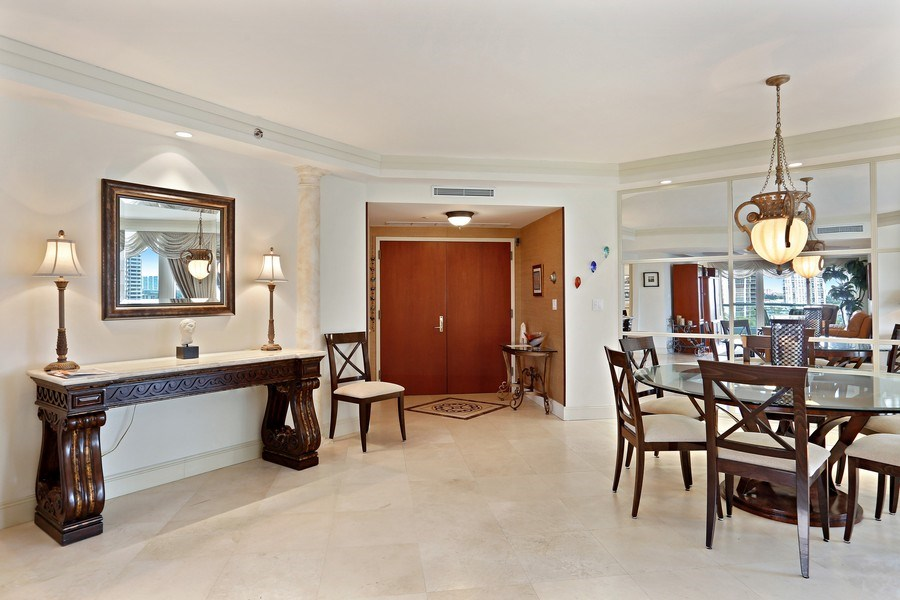 Real Estate Photography - 7000 Island Blvd, Apt 902, Aventura, FL, 33160 - Foyer