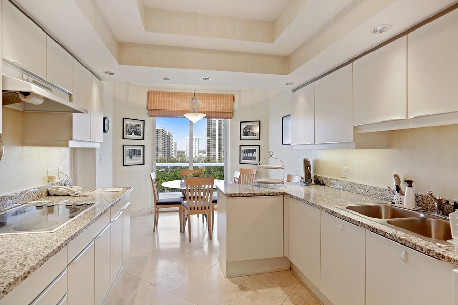 Real Estate Photography - 7000 Island Blvd, Apt 902, Aventura, FL, 33160 - Kitchen