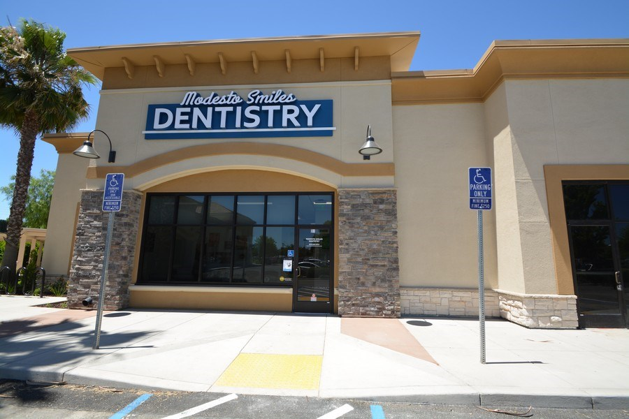 Real Estate Photography - 3601 Pelandale Ave., D-1,Modesto Smiles Dentistry, Modesto, CA, 95356 - Front View