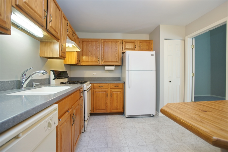 Real Estate Photography - 12 Country Club Dr, Prospect Heights, IL, 60070 - Kitchen