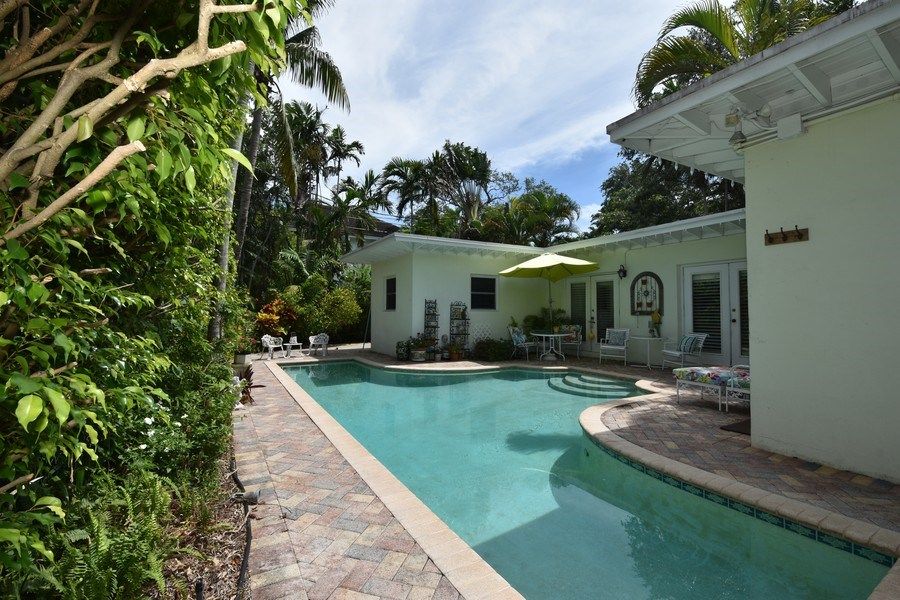 Real Estate Photography - 1209 SE 11 Court, Fort Lauderdale, FL, 33316 - Pool