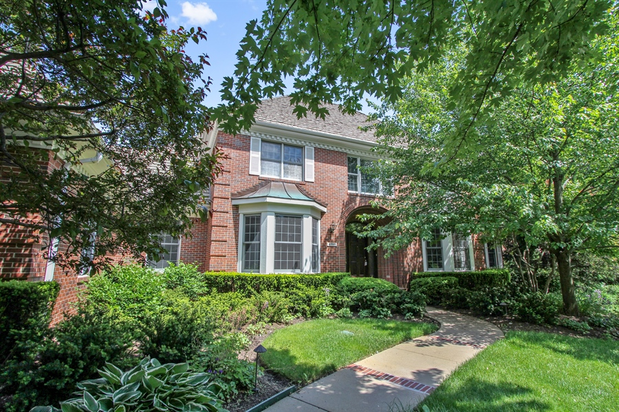 Real Estate Photography - 4760 Doncaster Court, Long Grove, IL, 60047 - Exterior Front