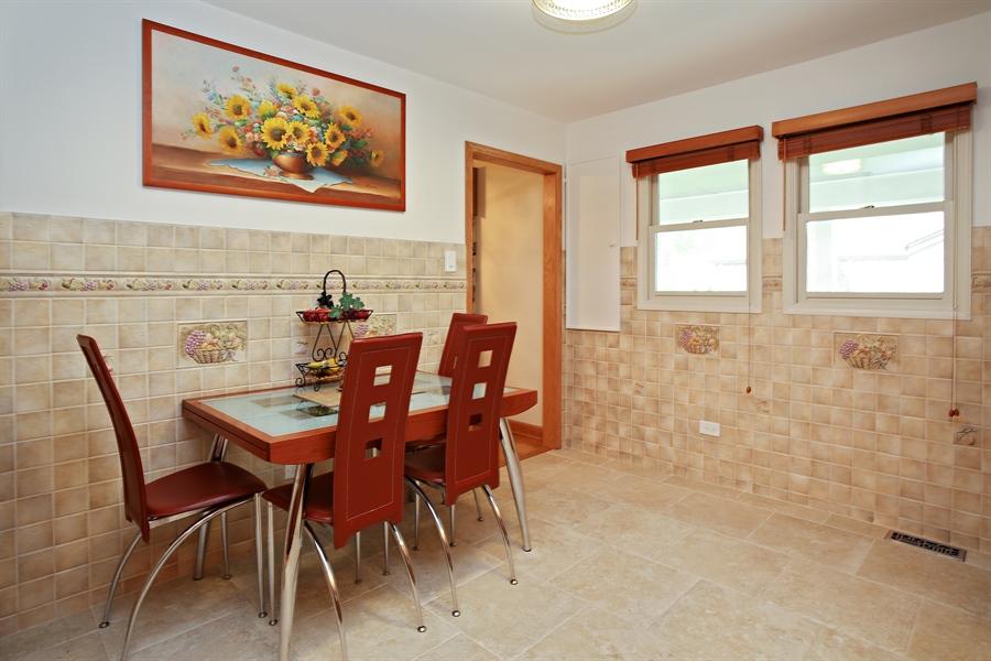 Real Estate Photography - 136 E Morrison Ave, Mount Prospect, IL, 60056 - Kitchen / Breakfast Room