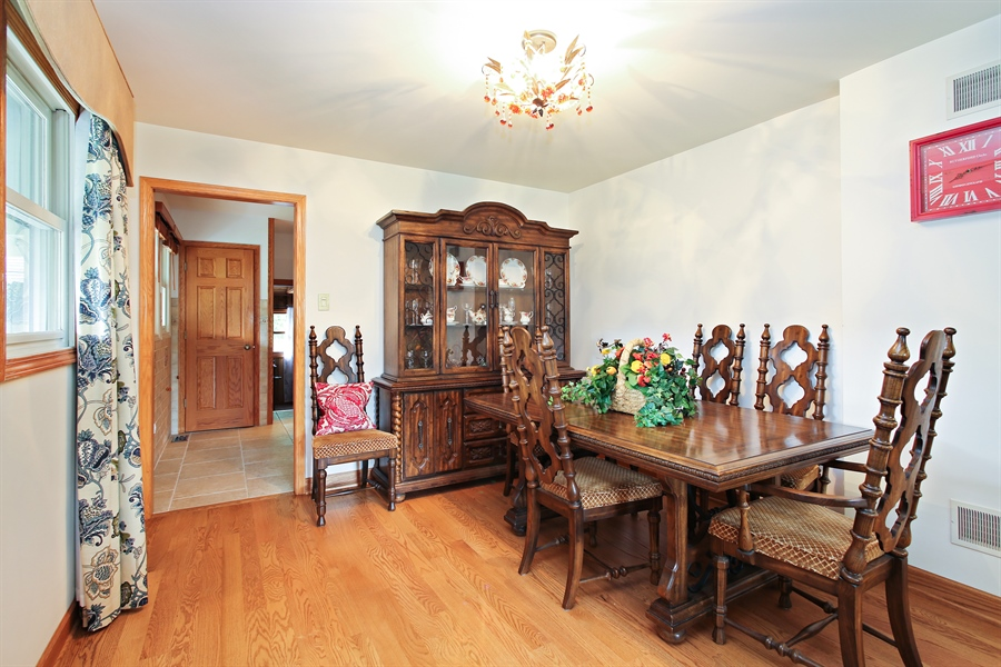 Real Estate Photography - 136 E Morrison Ave, Mount Prospect, IL, 60056 - Dining Room