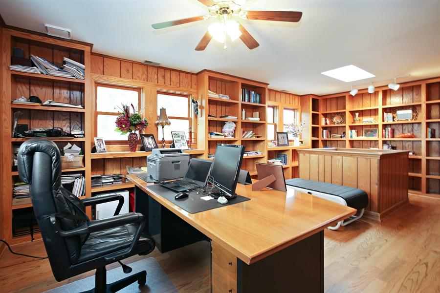Real Estate Photography - 136 E Morrison Ave, Mount Prospect, IL, 60056 - Office