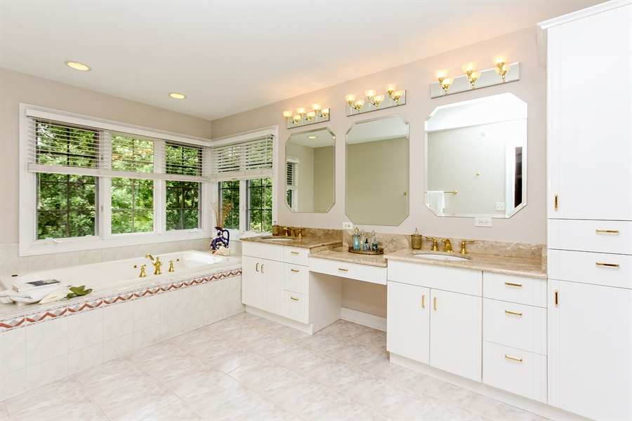 Real Estate Photography - 4442 Stonehaven Dr, Long Grove, IL, 60047 - Master Bathroom
