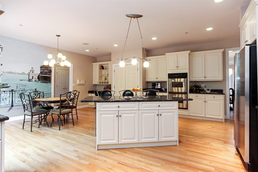 Real Estate Photography - 4442 Stonehaven Dr, Long Grove, IL, 60047 - Kitchen
